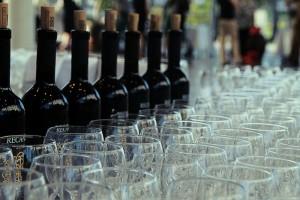 יין משובח עם קייטרינג חלבי